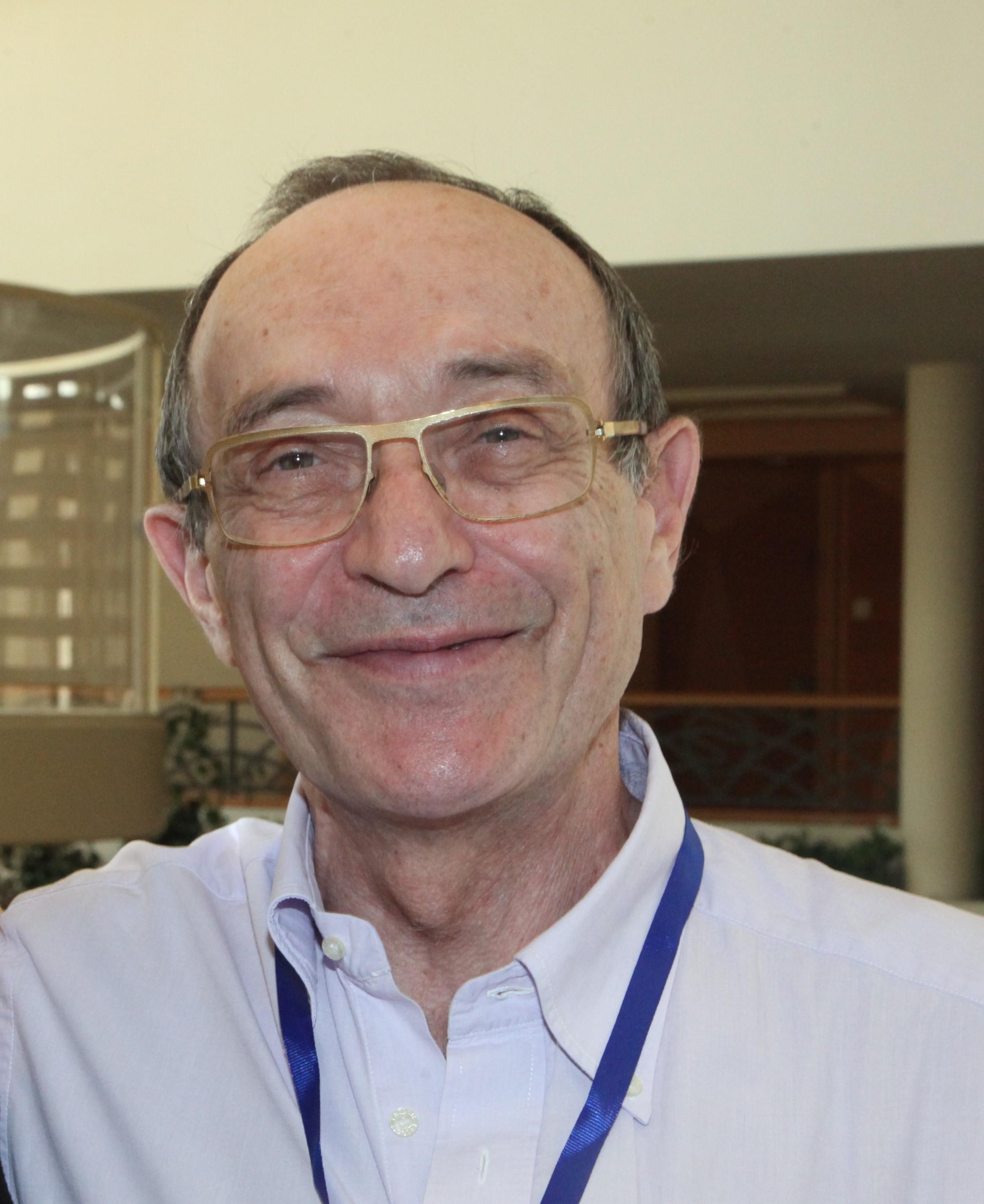 פרופסור אברהם צרניאק - תמונת פרופיל